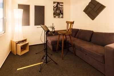 4. Aufnahmeraum / Aufenthaltsraum (leer)
