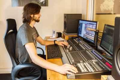 Regieraum mit Tontechniker